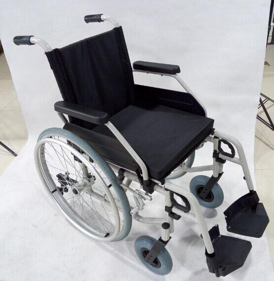 Manual Steel Wheelchair Pneumatic WheelChair SC-SW17